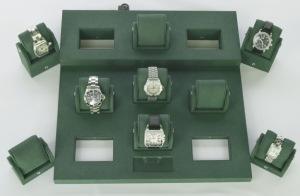 locking watch display-a-crop